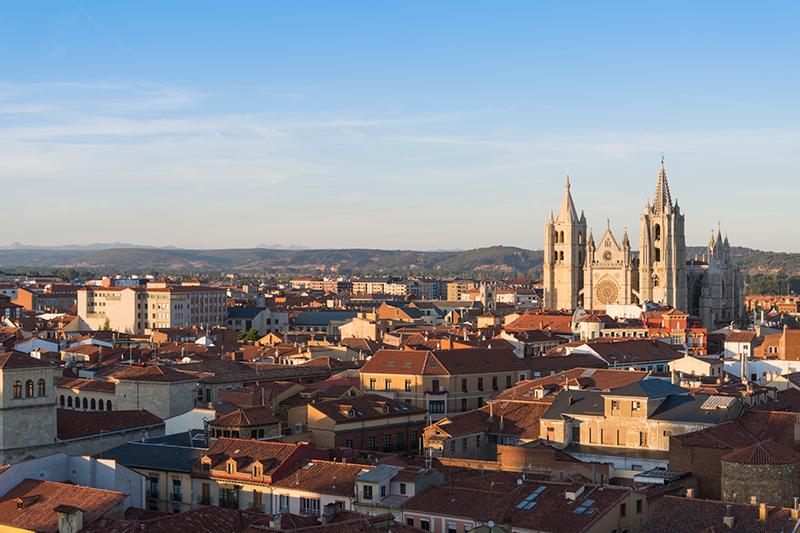 Catedral de León la más francesa de las catedrales españolas