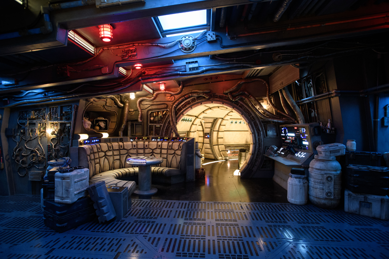 Millennium Falcon: Smugglers Run Star Wars: Galaxy's Edge