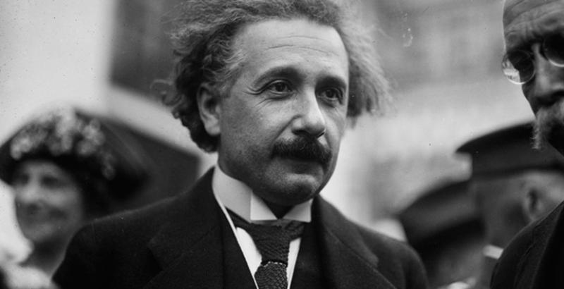 Sale a la luz grabación de Einstein en donde habla de música y la bomba atómica