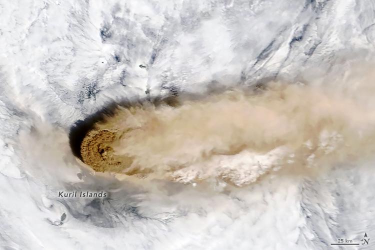volcan Raikoke erupción