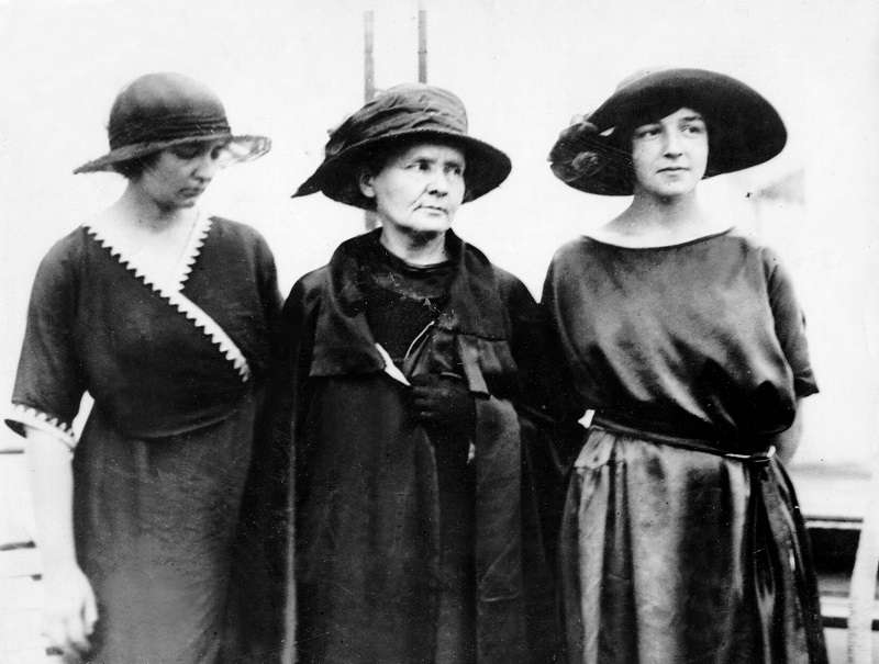 Marie Curie Irene Joliot-Curie Eve Denise Julie Curie-Labouisse