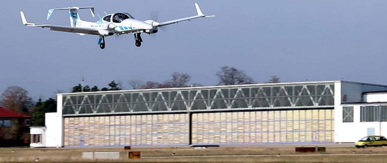 avión aterrizó de manera autónoma