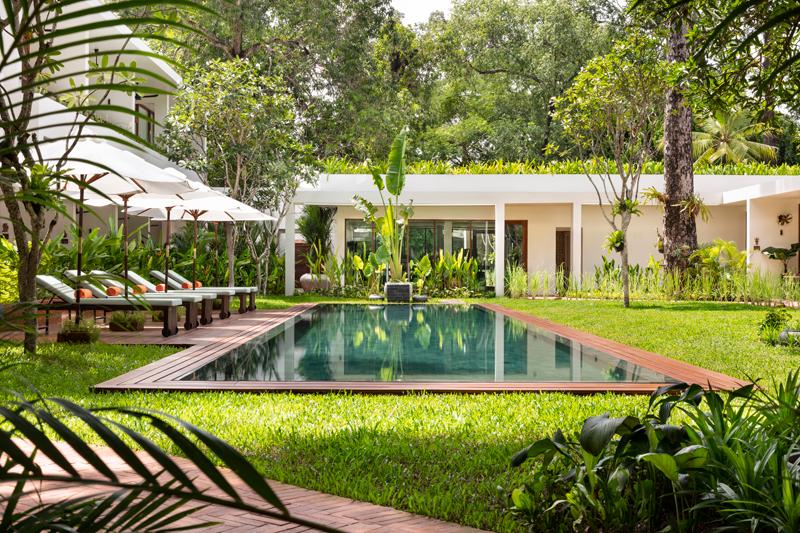 alberca hotel Camboya