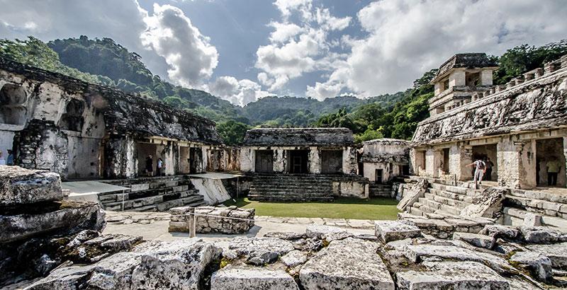 Palenque escalinata Maya