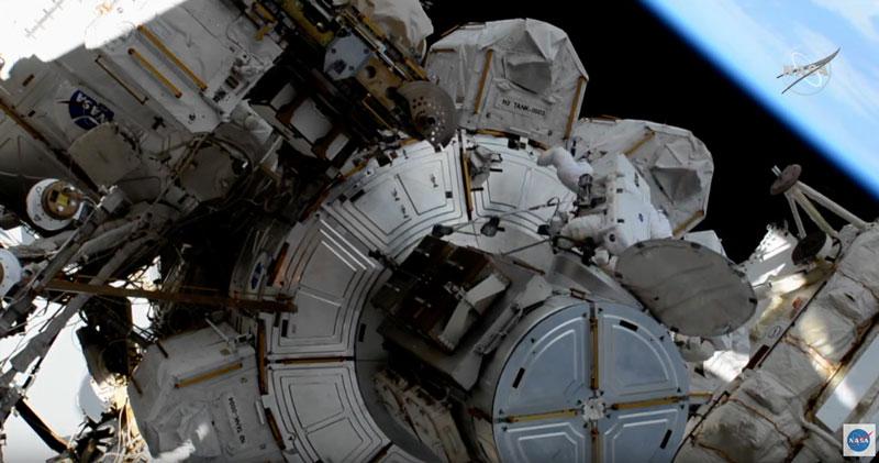 primera caminata espacial histórica