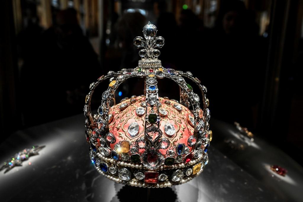 corona francesa