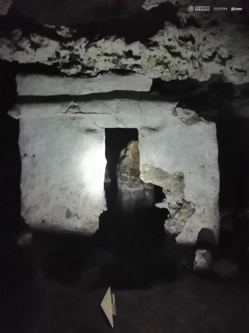 Playa del Carmen INAH La Cueva del Templo de La Estalagmita
