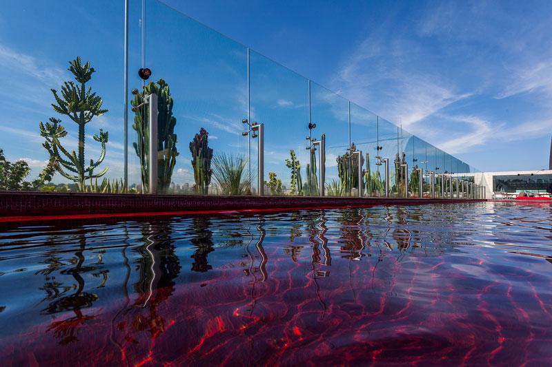 piscina roja
