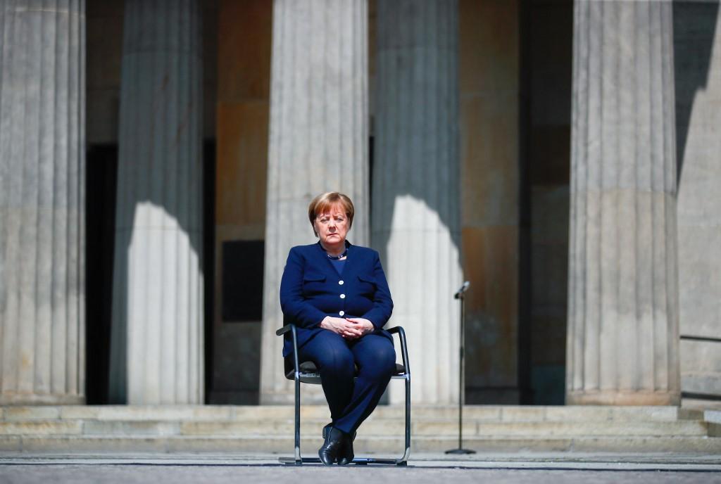 Angela Merkel Berlín Alemania caía del nazismo