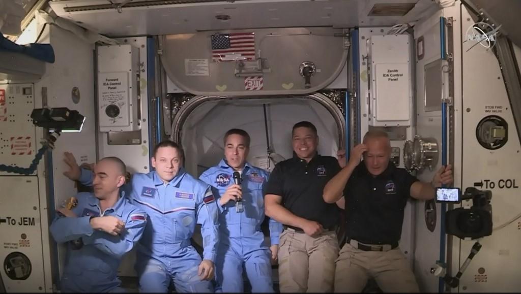Estación Espacial Internacional astronautas SpaceX NASA Douglas Hurley Robert Behnken