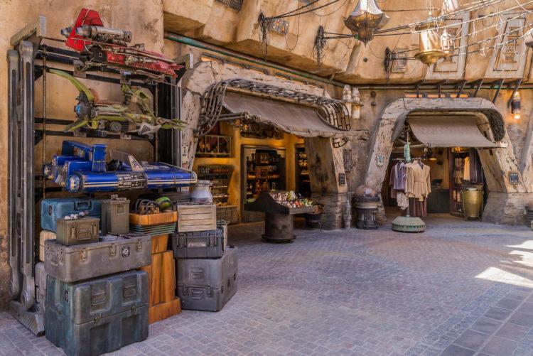 mercado Black Spire Outpost Disneyland