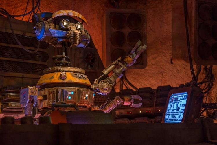 DJ R-3X Cantina de Oga droide