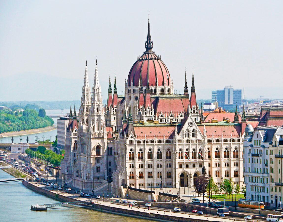 arlamento de Budapest río Danubio