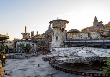 Star Wars halcón milenario Disneyland