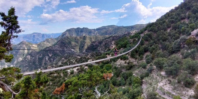puente colgante tirolesa Barranca del Cobre Chihuahua