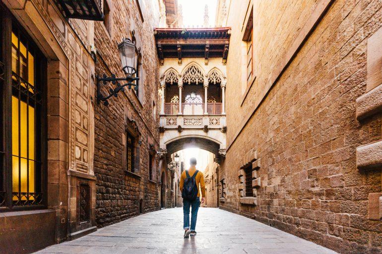 cuanto cuesta viajar a espana desde mexico