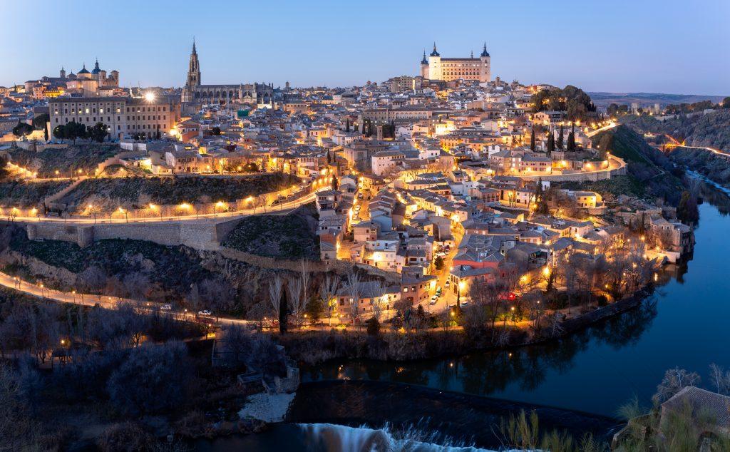 cuanto cuesta viajar a España y Toledo