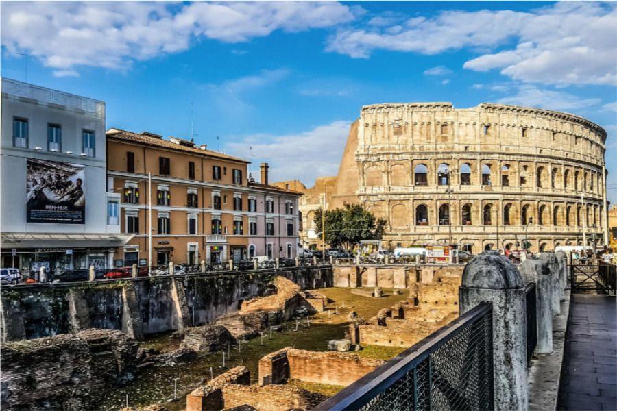 Coliseo romano y alrededores qué visitar en italia