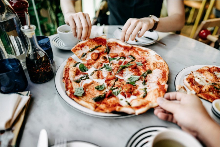 Cuánto cuesta comer en Italia pizza margarita