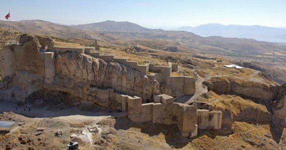 castillo enterrado