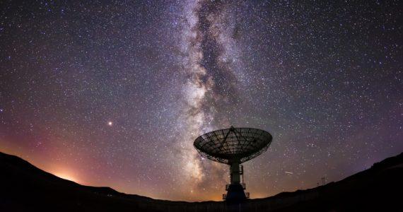radiotelescopio señal radio vía láctea
